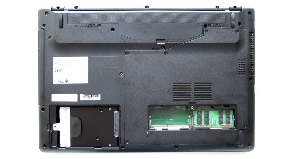 Fujitsu LIFEBOOK A557 Innen_3