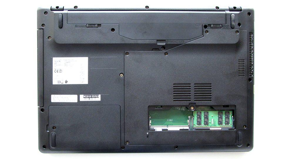 Fujitsu LIFEBOOK A557 Innen_4