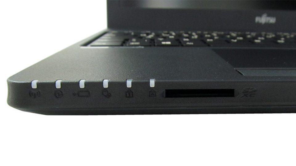 Fujitsu LIFEBOOK A557 Tastatur_5