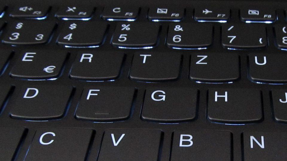 Lenovo-YOGA-720-13IKB_Tastatur_4