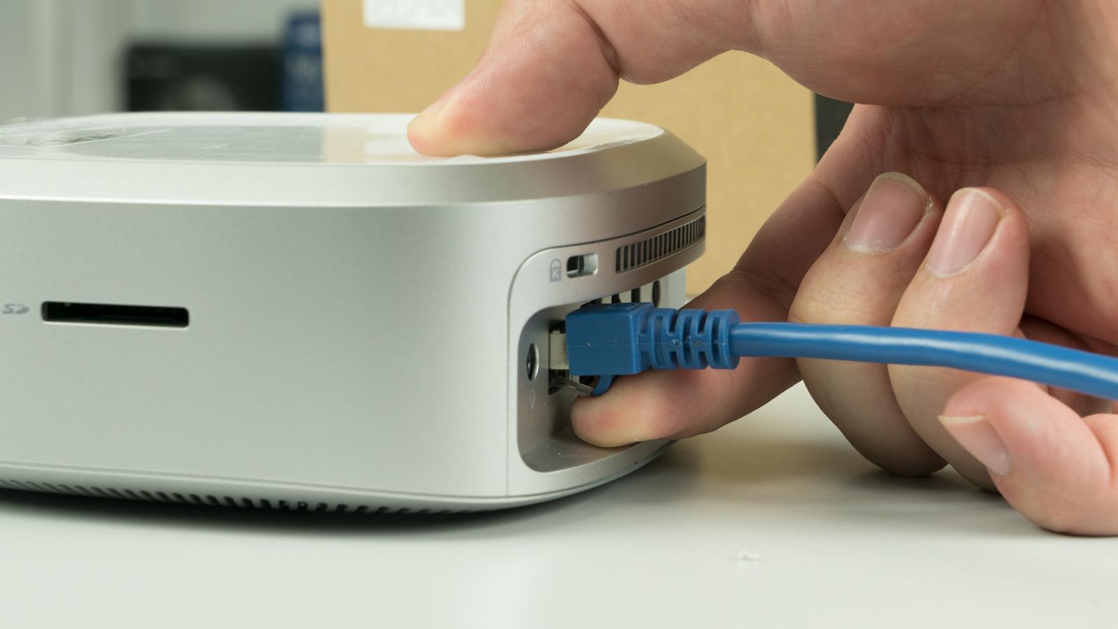Die Anzahl An Anschlssen Ist Ansonsten Ausreichend Alles Was Man So Bentigt Vorhanden Insbesondere Genug USB Anschlsse Und Sogar WLAN Nach Ac
