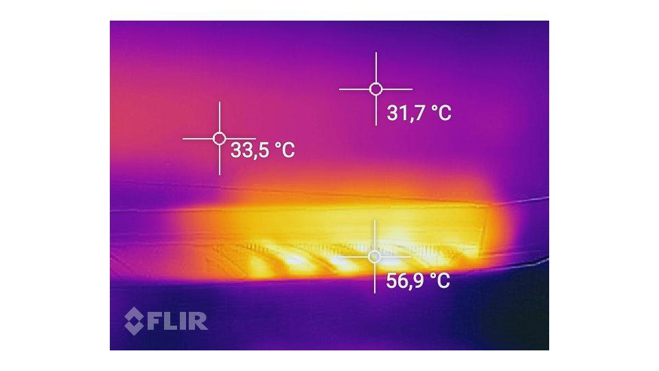 SCHENKER XMG A517-dxf Hitze_3
