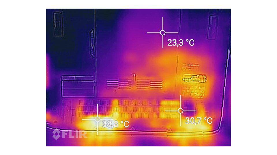 Acer Predator 17 G9-793-718K – Hitze_2