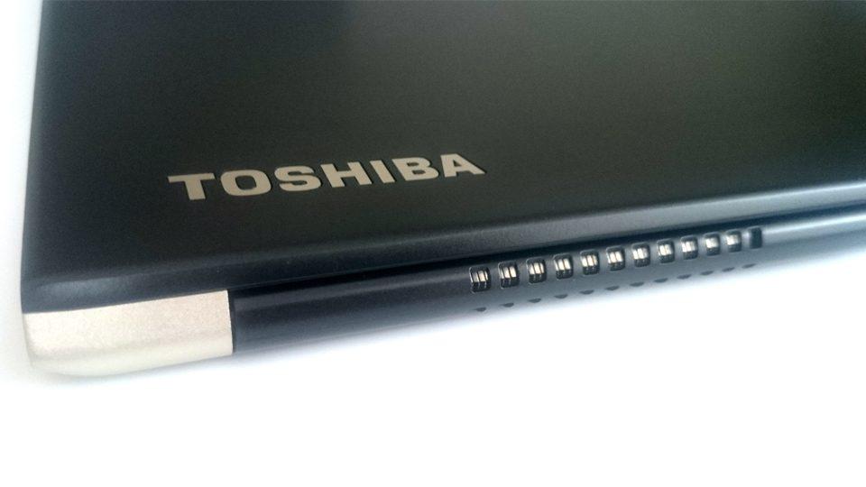 Toshiba-Tecra-X40-Gehaeuse_4