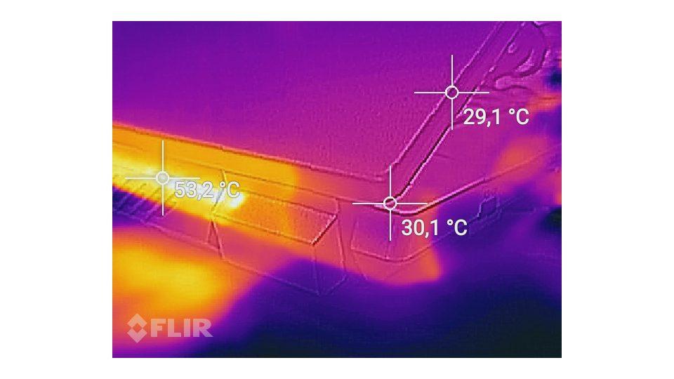 SCHENKER XMG A707-nyd Hitze_4