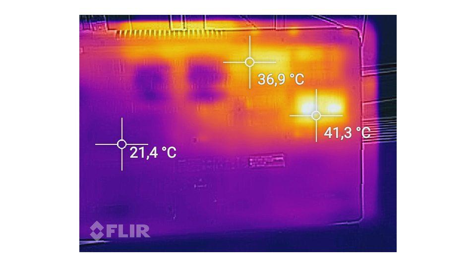 Acer-Aspire-7-A717-71G-721V-Hitze_5