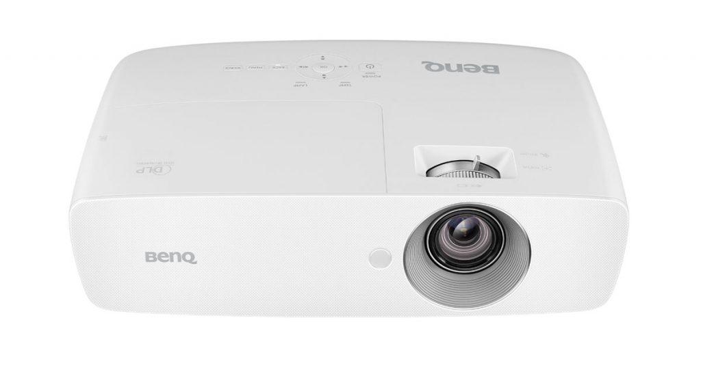 BenQ Projektor W1090 – Full HD-Beamer mit 2000 ANSI-Lumen im Test