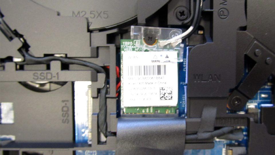 Dell-Alienware-15-R3-A15-9597Innen_6
