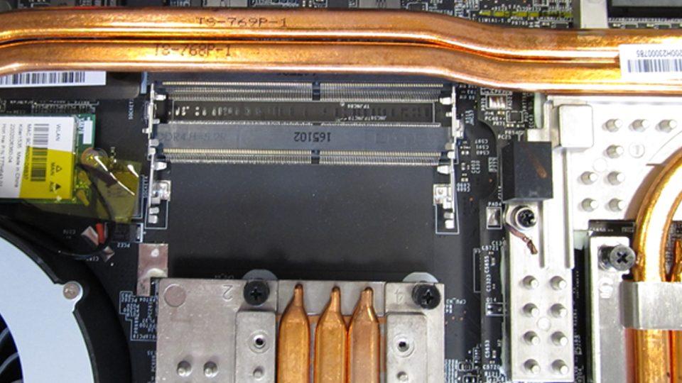 MSI-GT75VR-7RF-012-Titan-Pro_Innen_5