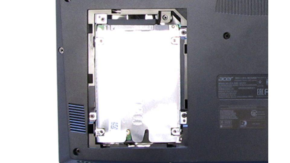 Acer Predator Helios 300 Innen_3