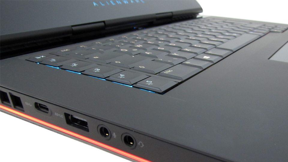 Dell-Alienware-15-R3-A15-9597 tastatur_5