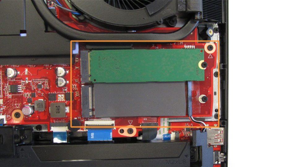 HP OMEN X 17-ap000ng Innen_4