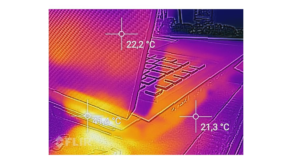 HP-Omen 17 an024ng-Hitze_5