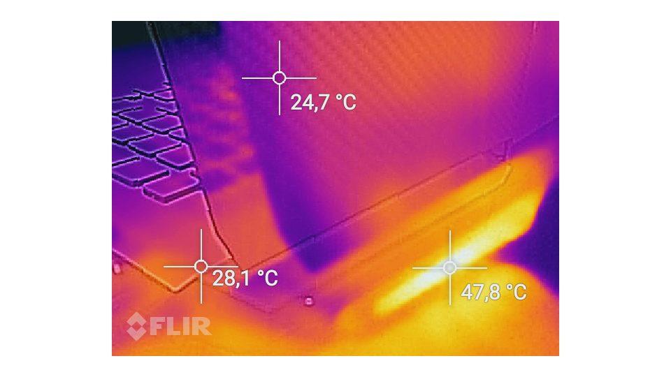 HP-Omen 17 an024ng-Hitze_6