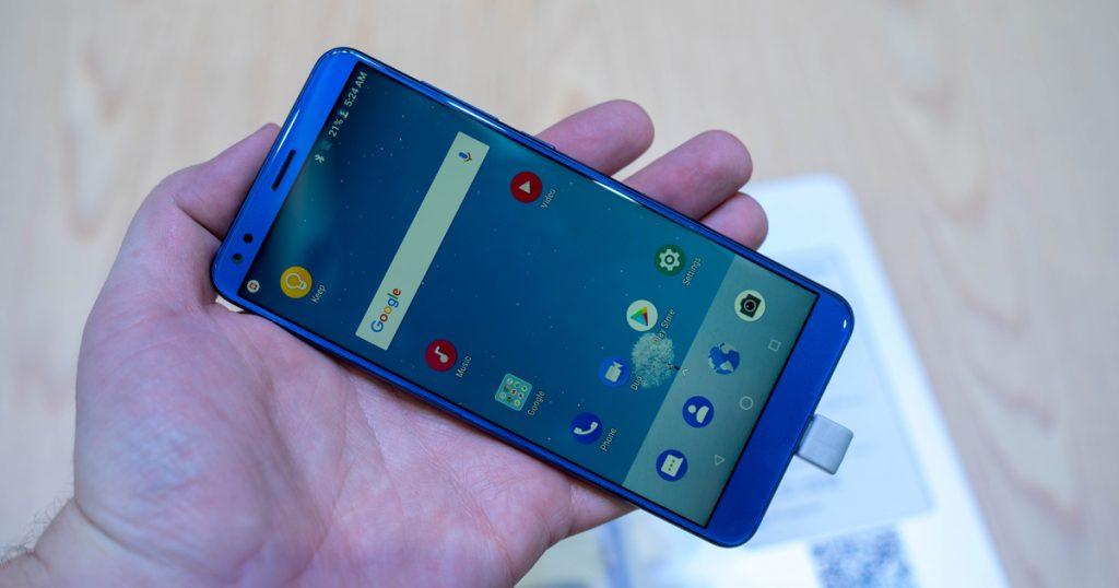MWC 2018: ZTE zeigt günstiges Mittelklasse-Smartphone mit Dual-Kamera und Android 8.1