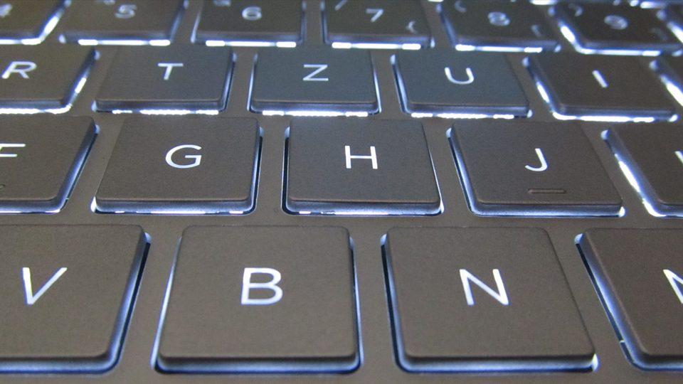 HP Spectre x360 13-ae040ng Tastatur_2