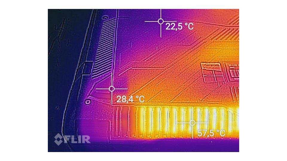ASUS ROG Strix GL702ZC-GC104T Hitze_3