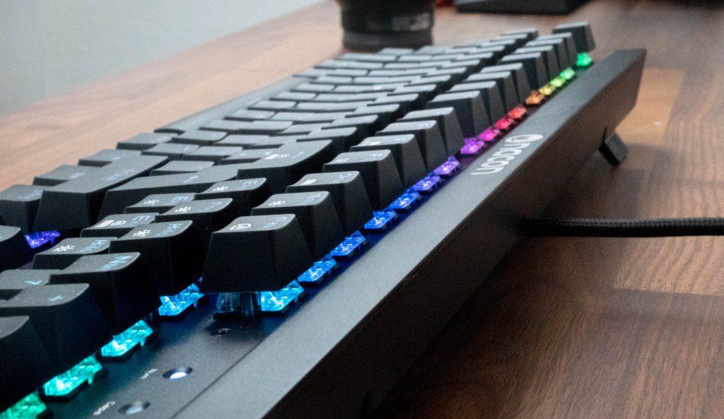 nacon cl-700om mechanische tastatur