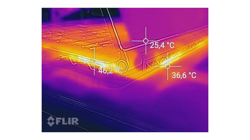 MSI GS65 8RF-078 Stealth Thin Hitze_4