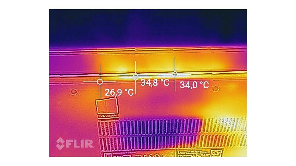 Lenovo V130-15IKB 81HN00FAGE Hitze_3