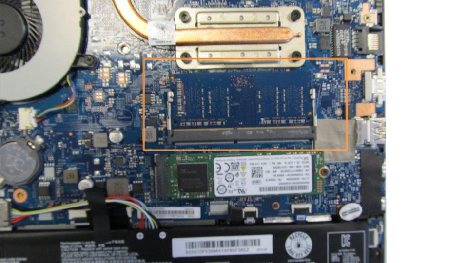 Lenovo V130-15IKB 81HN00FAGE Innen_3