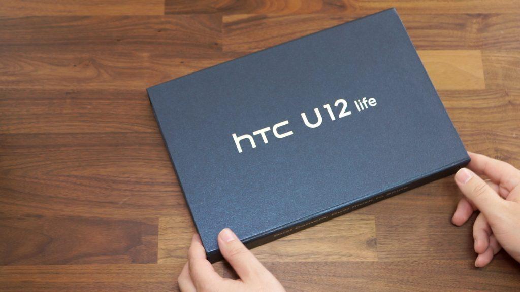 Mittelklasse-Smartphone: HTC U12 life ausgepackt