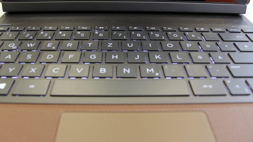 HP Spectre Folio 13-ak0010ng Tastatur_3