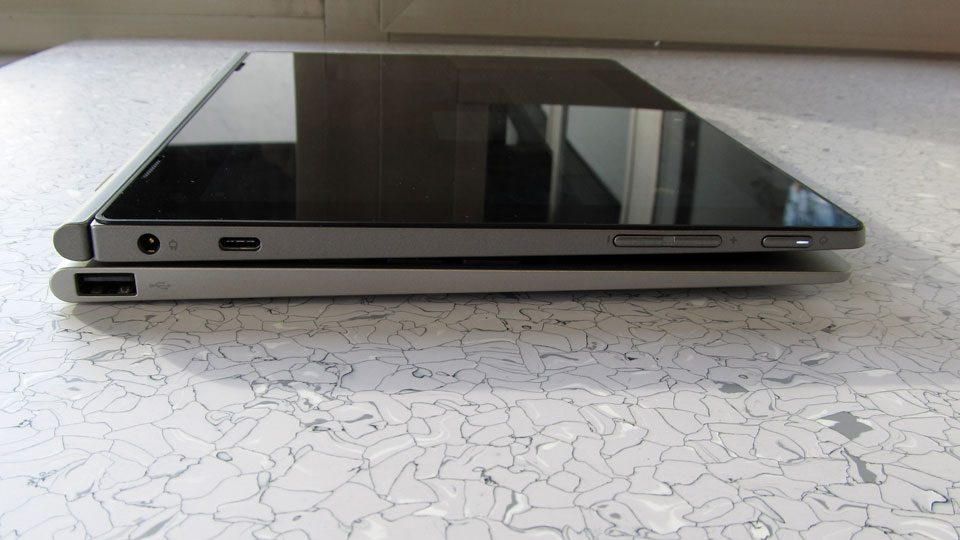 Lenovo IdeaPad D330-10IGM Anschluesse_2
