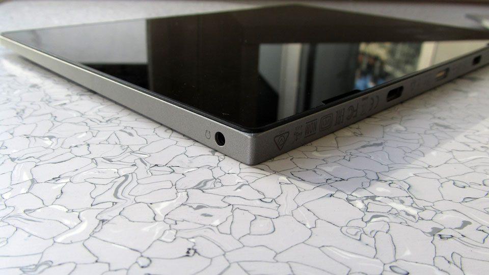 Lenovo IdeaPad D330-10IGM Anschluesse_5