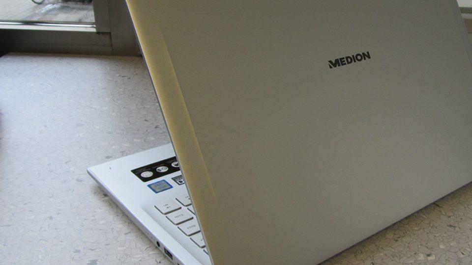 Medion AKOYA S6445 Detail_4
