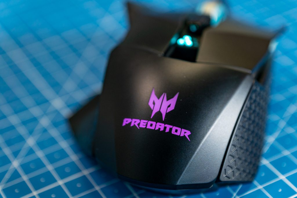 Acer Predator Cestus 510 Predator Logo Lila