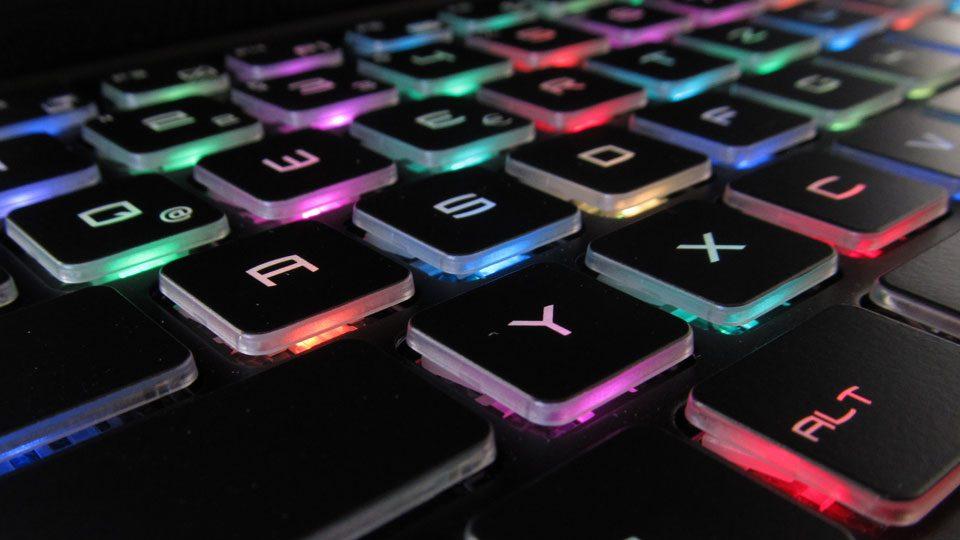 MSI GS75 8SG-215 Stealth Tastatur_1