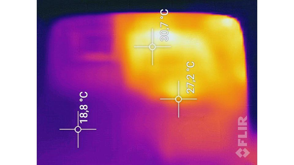 Viewsonic PX747 Hitze_1