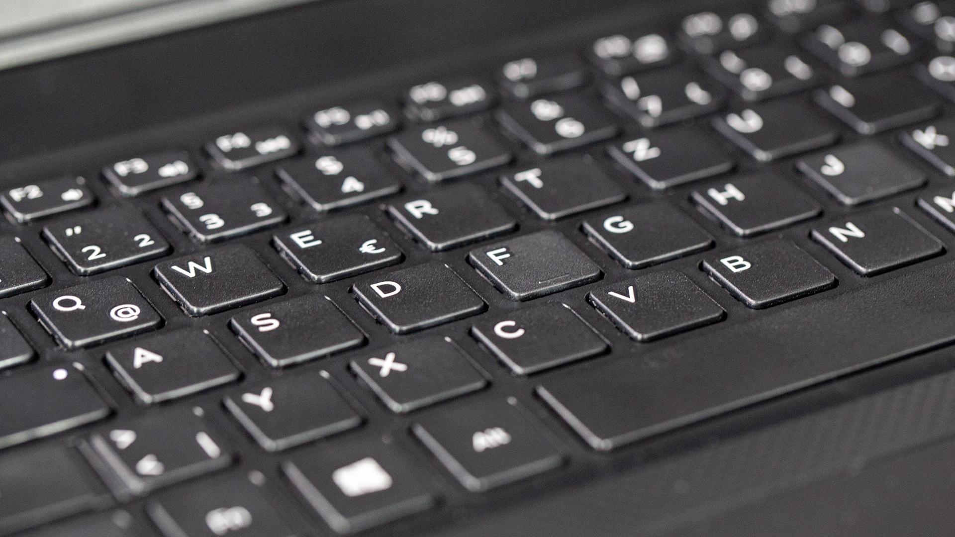 Dell Vostro 14 3480 Im Test Handliches Office Notebook
