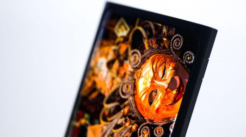 OPPO zeigt Smartphone mit Frontkamera unter dem Display