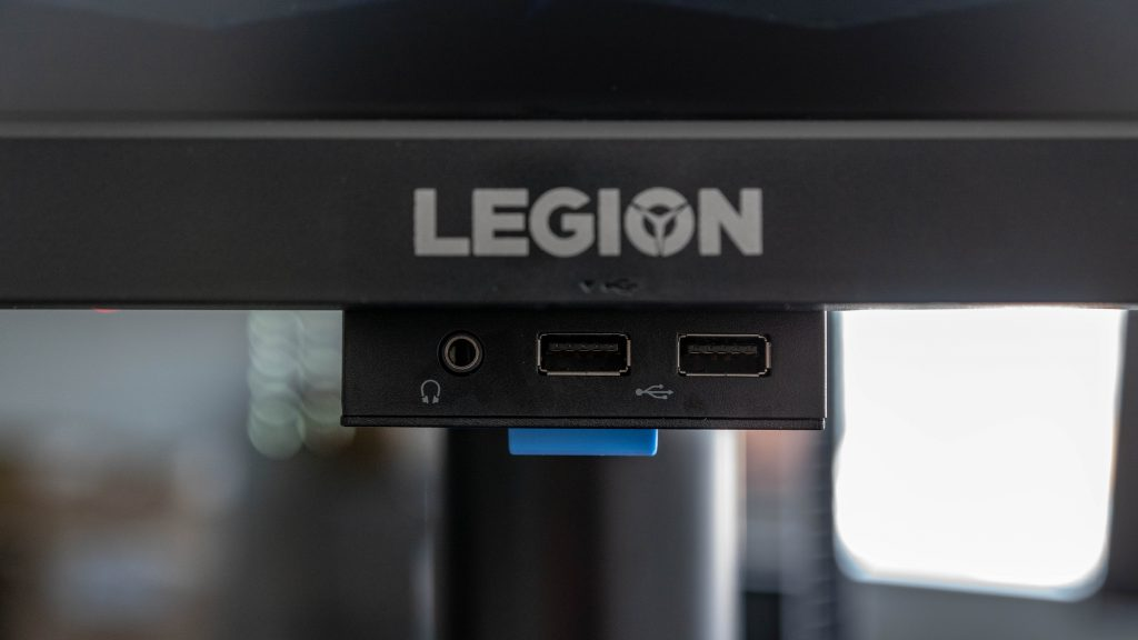 Lenovo Legion Y44W-10