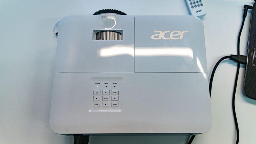 Acer X1623H Oben