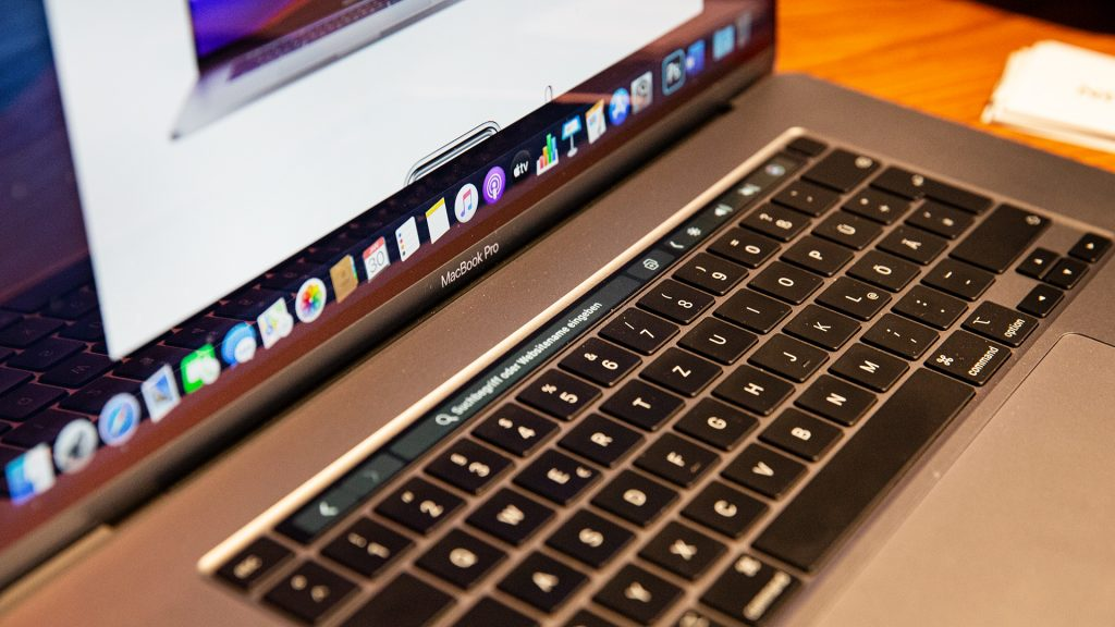 16 Zoll Apple MacBook Pro 9