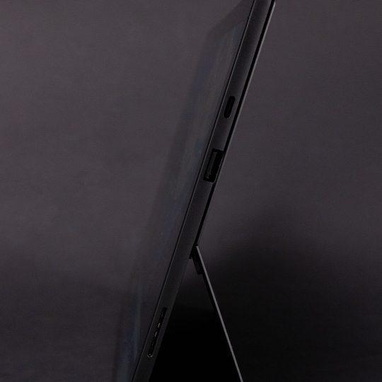Microsoft Surface Pro 7 Seite USBC