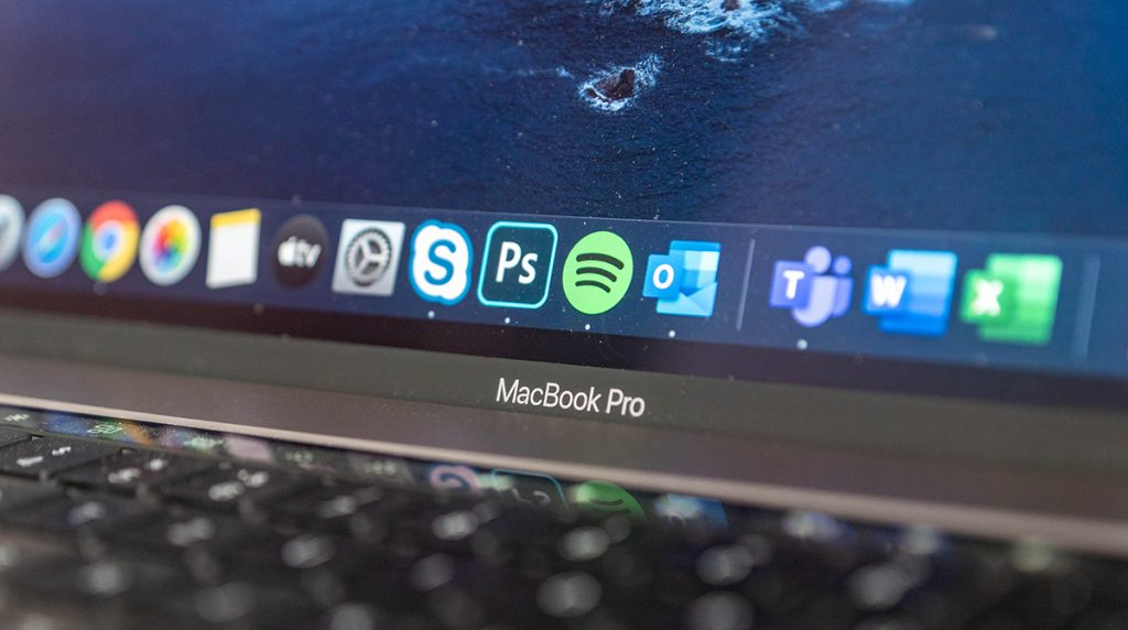 Apple MacBook Pro: 14,1 Zoll und mit Mini-LED-Display?