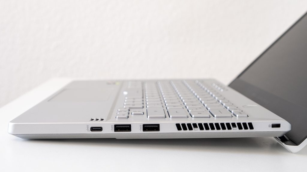 ASUS ROG Zephyrus G14 Gaming Laptop Notebook AMD Ryzen 4000 Anschlüsse rechts