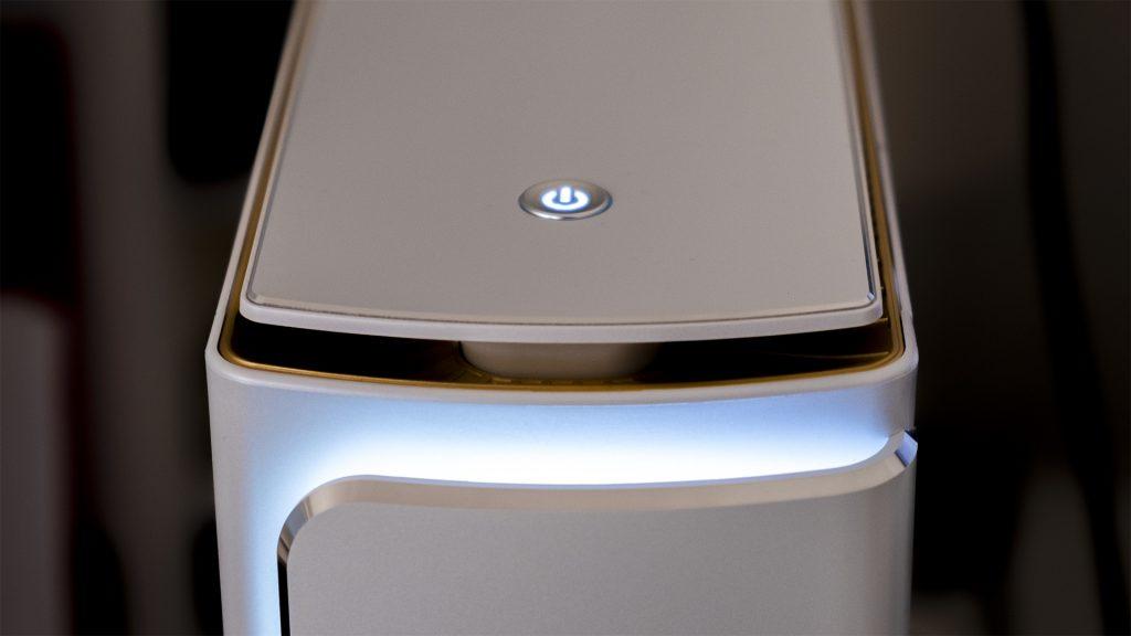 MSI Prestige P100 Creator Gaming PC LED Oben Detail