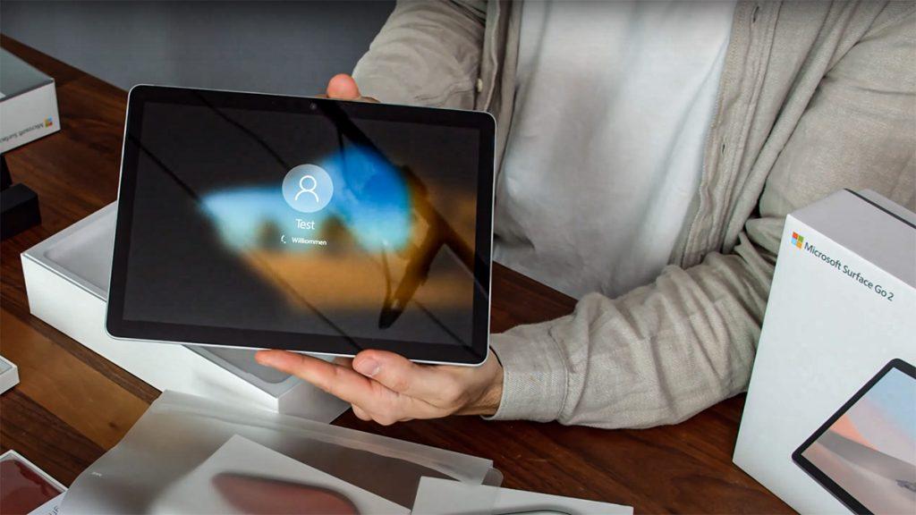 Unboxing-Video: Microsoft Surface Go 2 ausgepackt