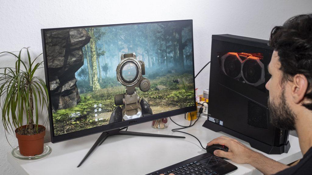 MSI G271 Gaming Monitor Shooter