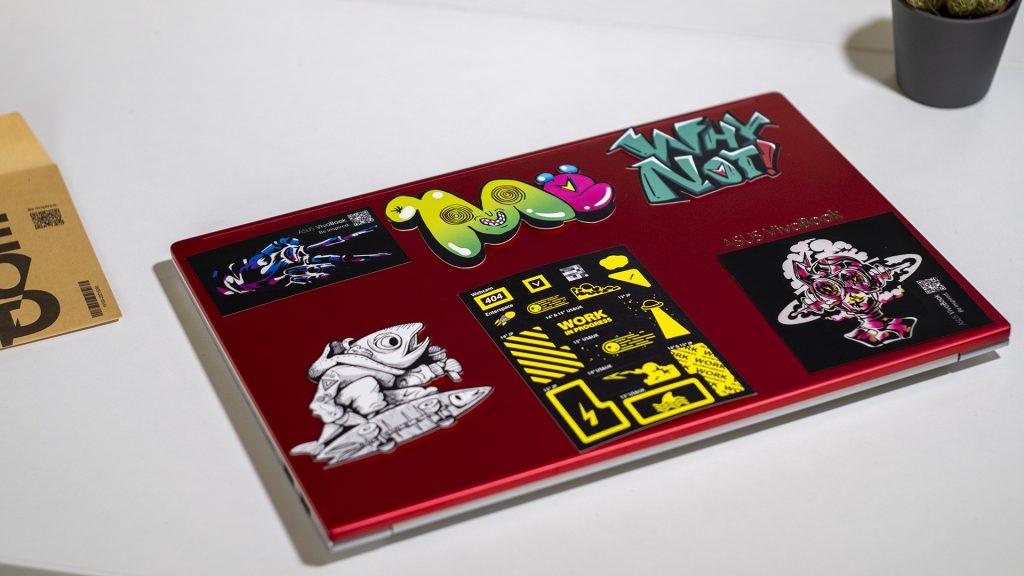 ASUS VivoBook S14 S433FL Aufgeklappt Stickerjpg