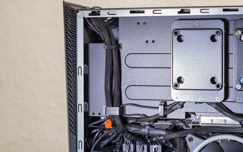 MSI Trident X PlusKabelführung Kabel-Management