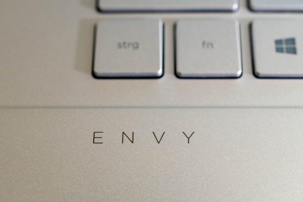 hp envy 17-cg0155ng test