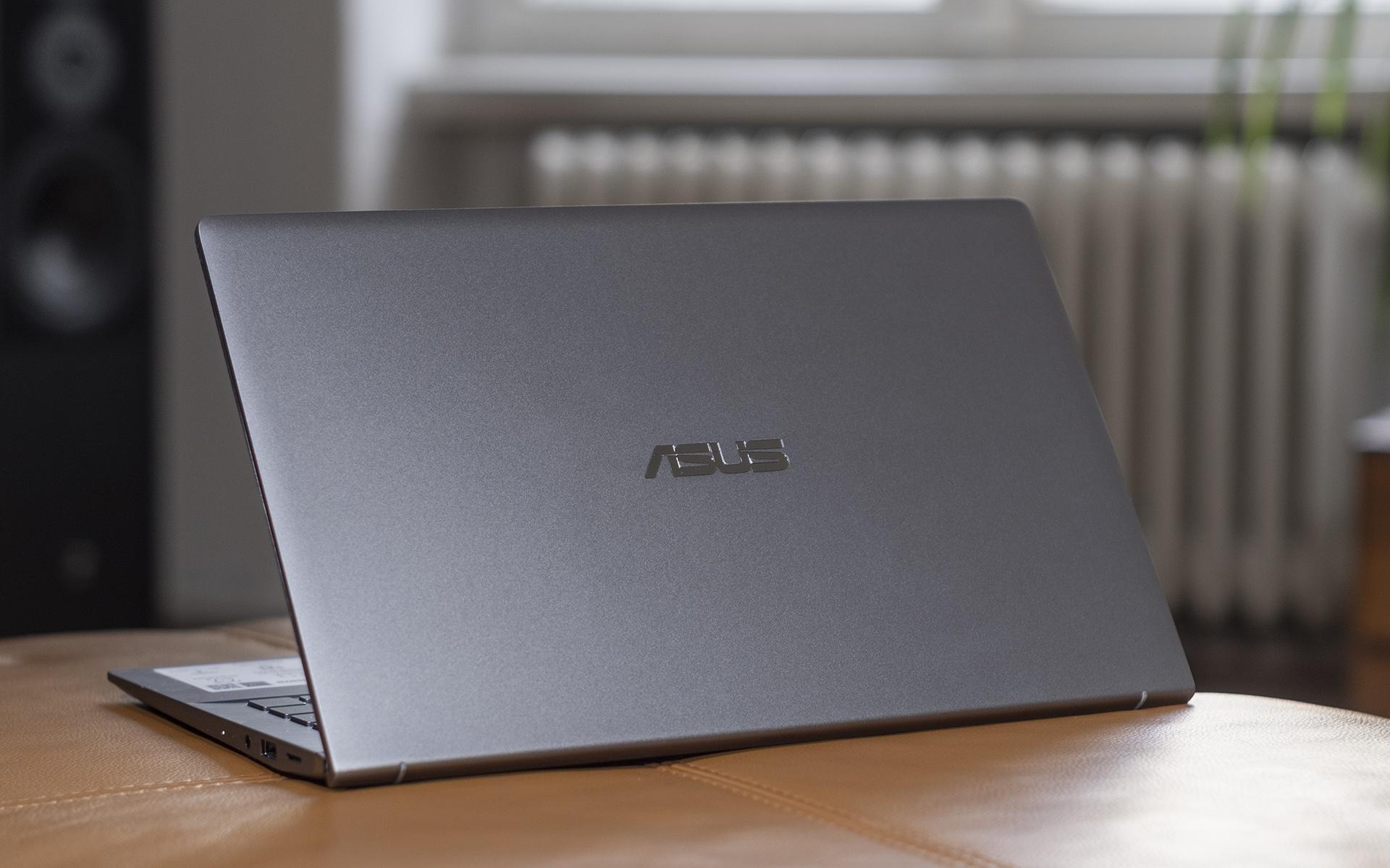 ASUS ZenBook 14 UM433I Deckel 2