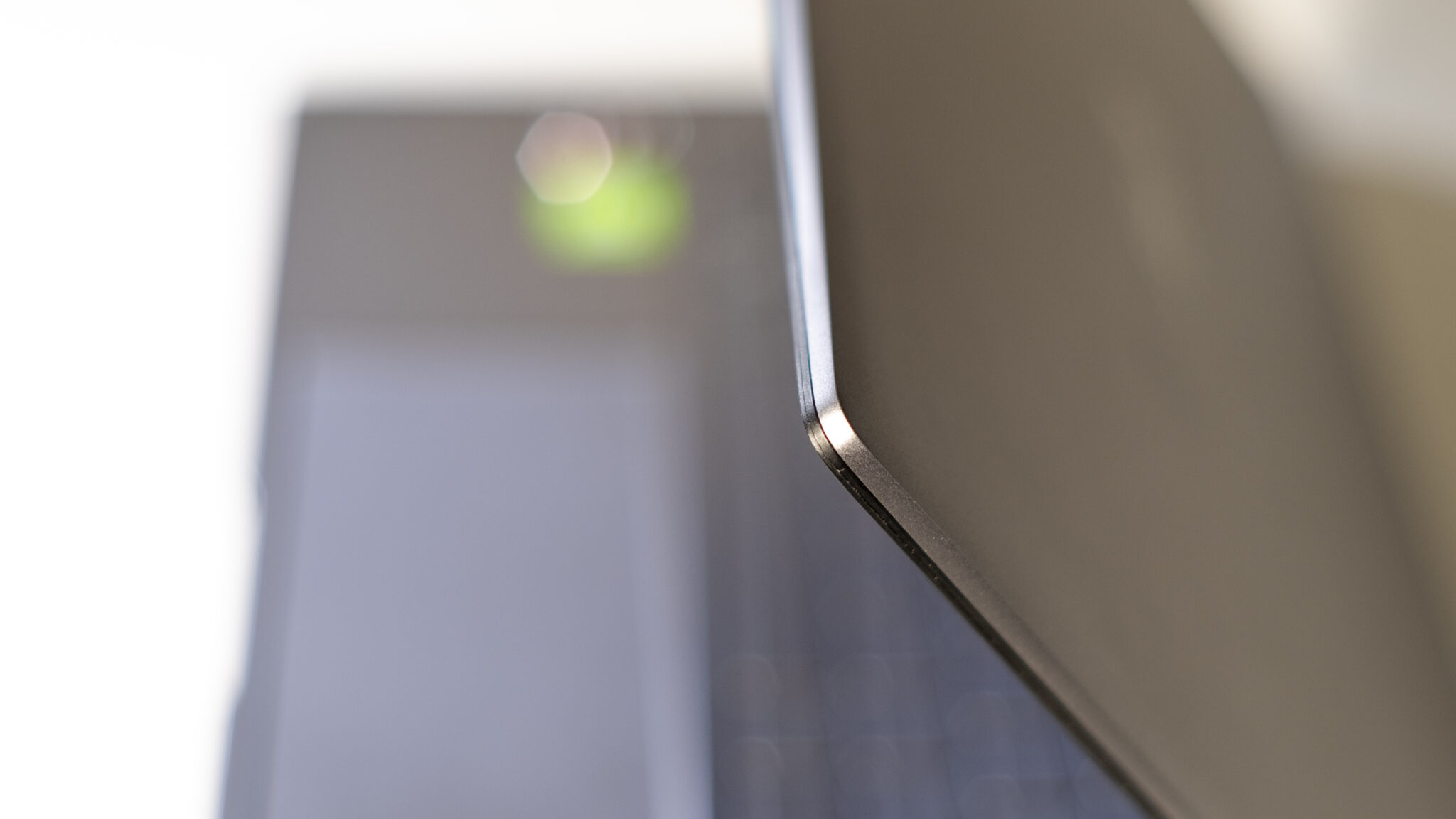 ASUS ZenBook 14 UM433I Deckel Verarbeitung