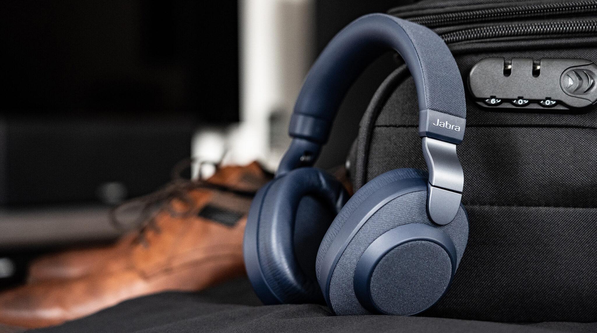 Jabra Elite 85h im Test: Business-Headset setzt auf ANC, lange Akkulaufzeit und Sprach-Assistenten